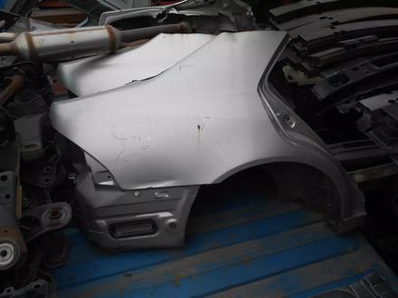 Крыло заднее, есть правое и левое на Lexus IS за 80 000 тг. в Алматы