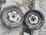 Два диска с резиной от Жигуля за 5 000 тг. в Караганда – фото 2