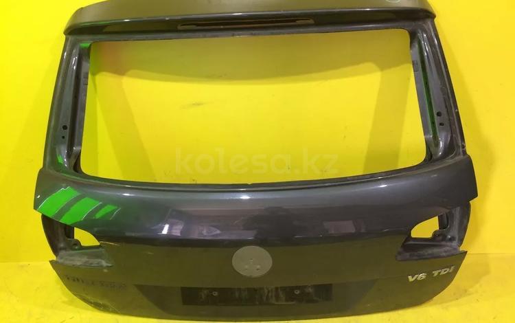 Крышка багажника Volkswagen Touareg NF за 45 000 тг. в Нур-Султан (Астана)