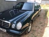 Mercedes-Benz E 200 1996 года за 1 200 000 тг. в Актобе – фото 3
