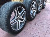 Шины с дисками оригинал Mersedes AMG за 330 000 тг. в Нур-Султан (Астана) – фото 3