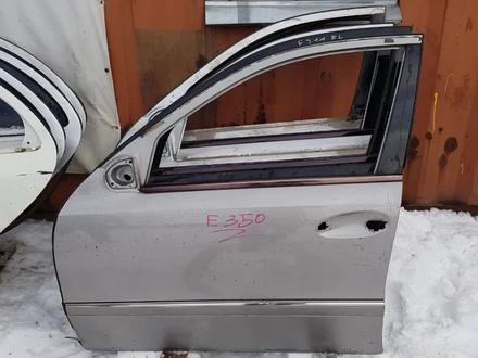 Дверь передняя левая за 11 000 тг. в Алматы