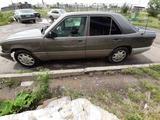 Mercedes-Benz E 220 1993 года за 1 300 000 тг. в Караганда – фото 5