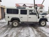 Land Rover Defender 2005 года за 3 000 000 тг. в Атырау – фото 2