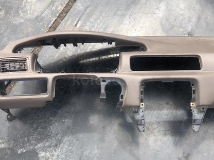Торпеда панель с подушкой безопасности на Тойота Камри 1997-2001 год за 40 000 тг. в Караганда – фото 3