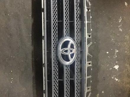Решетка радиатора Toyota Tundra за 40 000 тг. в Алматы