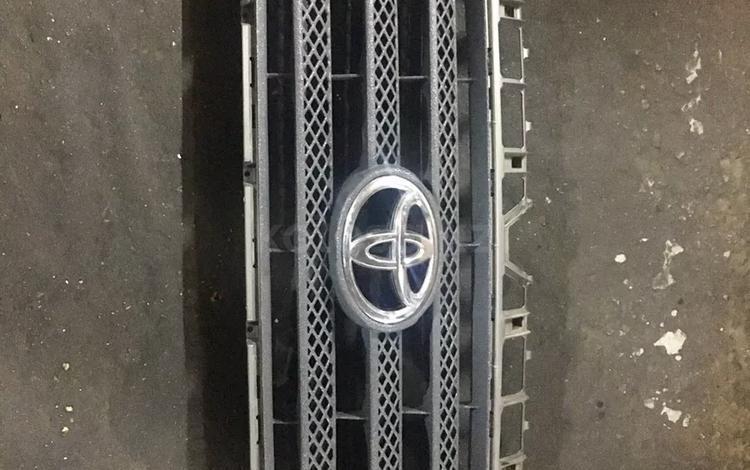 Решетка радиатора Toyota Tundra за 35 000 тг. в Алматы