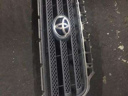 Решетка радиатора Toyota Tundra за 40 000 тг. в Алматы – фото 2