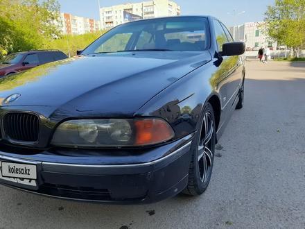 BMW 528 1996 года за 1 650 000 тг. в Караганда – фото 2