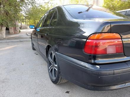 BMW 528 1996 года за 1 650 000 тг. в Караганда – фото 3