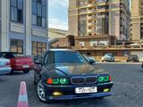 BMW 740 1998 года за 4 500 000 тг. в Актау – фото 2