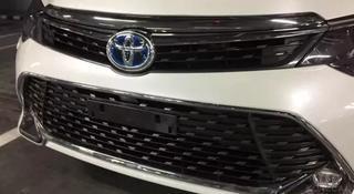 Решетка радиатора Toyota Camry 55 за 999 тг. в Караганда