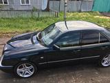 Mercedes-Benz E 230 1997 года за 2 600 000 тг. в Петропавловск – фото 2