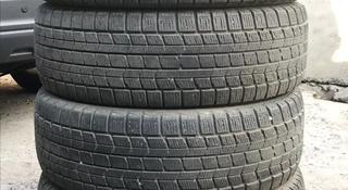 215 65 r16 Dunlop зимняя липучка в отличном состоянии за 50 000 тг. в Алматы