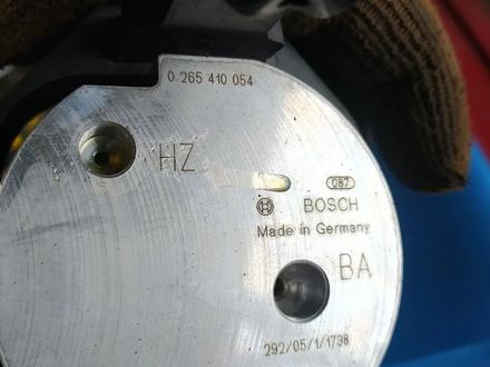 Насос гидравлический на BMW E65 за 40 000 тг. в Алматы – фото 2