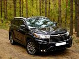 Toyota Highlander 2015 года за 16 450 000 тг. в Петропавловск