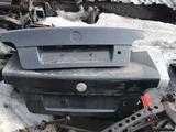 Крышка багажника на бмв е39 за 12 000 тг. в Караганда