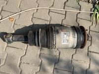 Амортизатор пневмо стойка задняя дискавери 3 за 41 000 тг. в Алматы