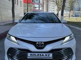 Toyota Camry 2018 года за 13 550 000 тг. в Павлодар