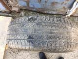 Диски с резиной от тойота лэнд крузер за 180 000 тг. в Нур-Султан (Астана) – фото 2