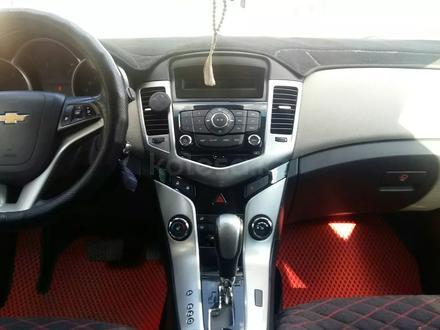 Chevrolet Cruze 2012 года за 4 000 000 тг. в Актобе – фото 6