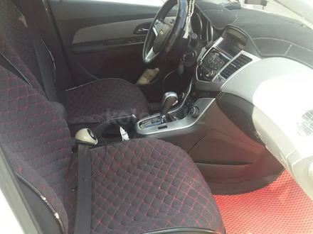 Chevrolet Cruze 2012 года за 4 000 000 тг. в Актобе – фото 7