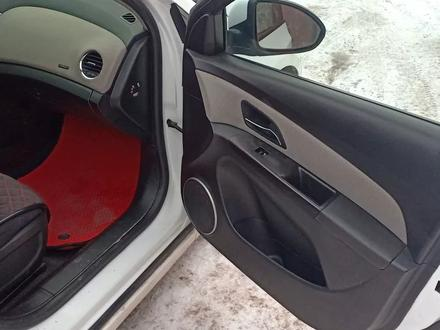 Chevrolet Cruze 2012 года за 4 000 000 тг. в Актобе – фото 12
