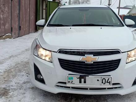Chevrolet Cruze 2012 года за 4 000 000 тг. в Актобе – фото 13