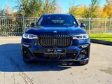 BMW X7 2021 года за 58 900 000 тг. в Костанай – фото 2