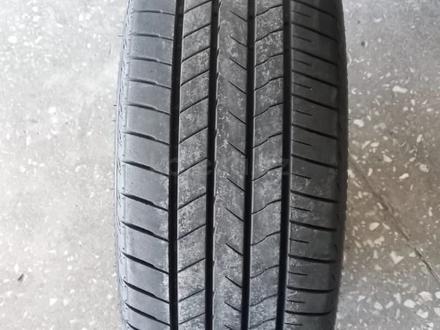 Комплект летних шин Bridgestone 245/45R20 за 55 000 тг. в Алматы – фото 2