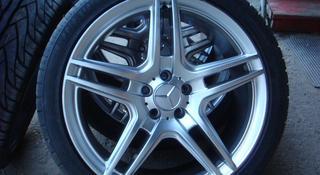 Разноразмерные диски AMG R 20 за 425 000 тг. в Алматы