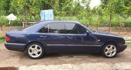 Mercedes-Benz E 280 1997 года за 3 900 000 тг. в Атакент – фото 2