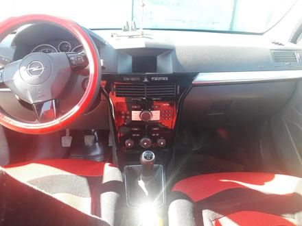 Opel Astra 2011 года за 1 900 000 тг. в Костанай