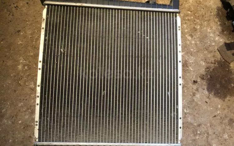Бмв 1.8 радиатор дифуззор и вентилятор за 50 000 тг. в Шымкент