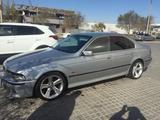 BMW 528 1997 года за 2 300 000 тг. в Актау – фото 3
