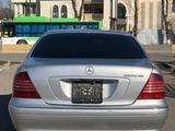 Mercedes-Benz S 320 1999 года за 3 450 000 тг. в Шымкент – фото 4