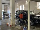 Toyota Land Cruiser 2021 года за 56 700 000 тг. в Актобе – фото 2