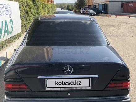 Mercedes-Benz E 220 1995 года за 1 650 000 тг. в Нур-Султан (Астана) – фото 14