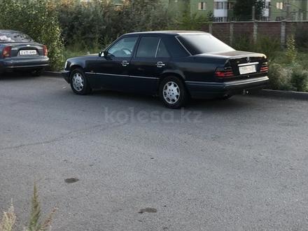 Mercedes-Benz E 220 1995 года за 1 650 000 тг. в Нур-Султан (Астана) – фото 2