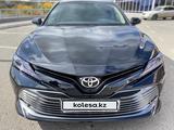 Toyota Camry 2019 года за 14 800 000 тг. в Караганда – фото 2