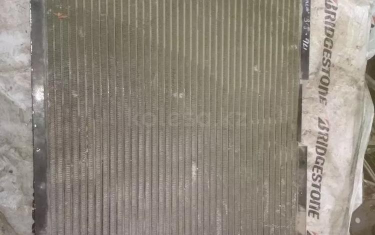 Радиатор кондиционера на БМВ за 999 тг. в Алматы