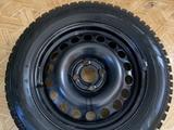 Зимние шины с дисками за 80 000 тг. в Актобе