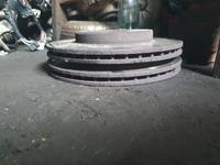Мерседес 124 передний тормозной диски 2.3 2.2 2.6 2.8 за 18 000 тг. в Алматы