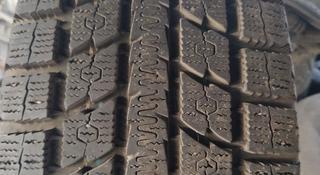 Зимние шины TOYO 265/65 р17 на Тойота Прадо, раннер. за 100 000 тг. в Алматы