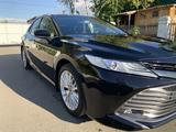 Toyota Camry 2018 года за 13 500 000 тг. в Павлодар – фото 3