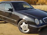 Mercedes-Benz E 320 2000 года за 3 985 294 тг. в Актобе – фото 3