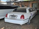 Lincoln Town Car 2000 года за 1 000 000 тг. в Алматы