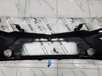 Передний бампер Camry 55 за 125 000 тг. в Семей