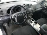 Toyota Highlander 2012 года за 16 890 000 тг. в Уральск – фото 5