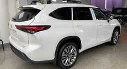 Toyota Highlander Luxe 2021 года за 35 500 000 тг. в Алматы – фото 3